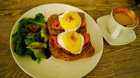 Cafe Hopping III: L'etoile Cafe breakfasttt